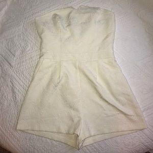 NWT XXI Strapless Textured White Romper