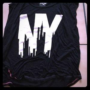 Tops - NY Sleeveless shirt