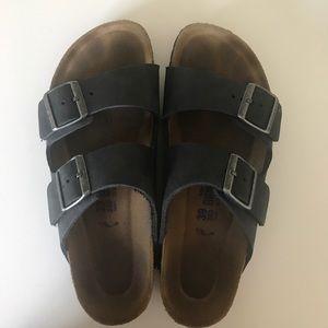 Birkenstock Shoes - Black leather birkenstocks size 39