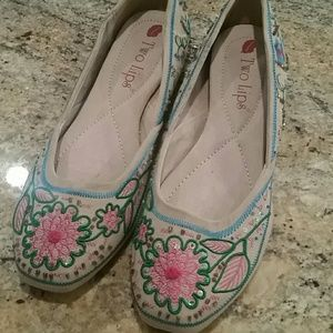 Two Lips Shoes - Two Lips embellished flats size 8.5 - New