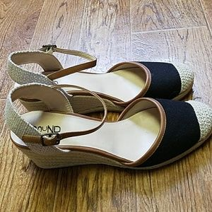 Abound Shoes - 🌻🌻Cute black & tan Abound Espadrille wedges