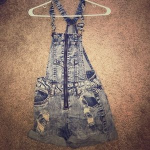 Charlotte Russe Other - Distressed Overalls