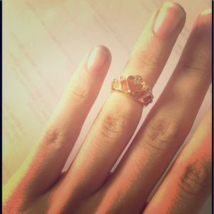 Jewelry - Jeweled Crown Knuckle Fashion Ring
