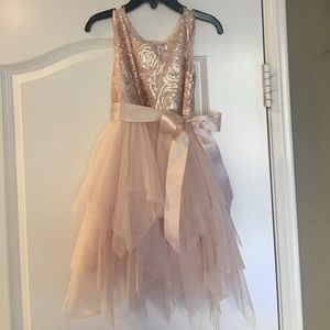 Zunie Other - Girls size 4 rose gold/blush party dress