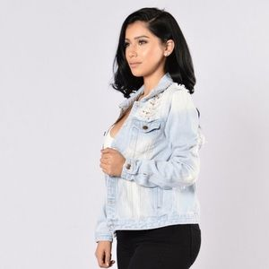 Fashion Nova Jackets & Blazers - Fashion nova iconic denim jacket- light