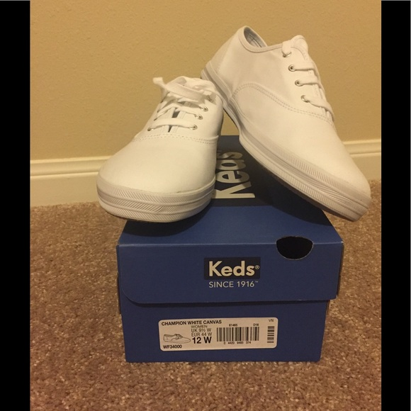 how to clean white canvas shoes keds