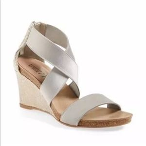 Anyi Lu Shoes - Silver high wedge sandal w/ criss cross elastic 37