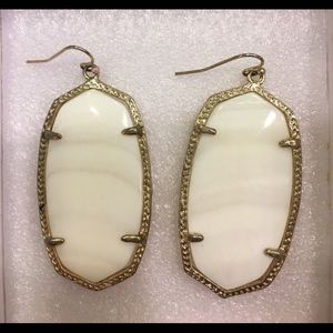 Kendra Scott Mother of Pearl Danielle's