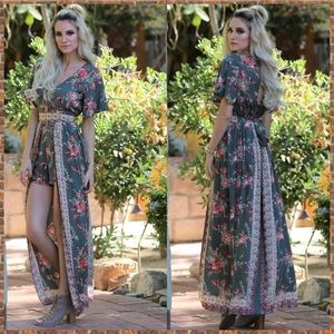 Gypsi's Other - 🌺NEW ARRIVAL🌺 Floral Maxi Romper