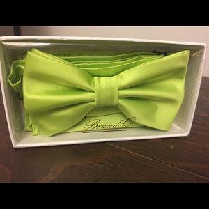 Bow tie and Handkerchief