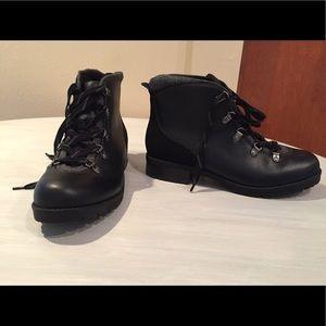 Never worn Clark's Faralyn Alpha Hiking Boots NWT