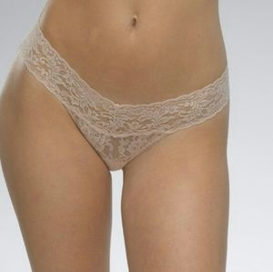 Hanky Panky Other - Hanky panky Low rise lace thong panty nude os