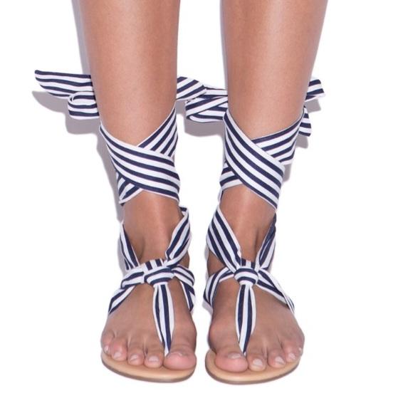 NWT Size 10 Shoe Dazzle Navy