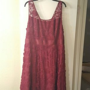BB Dakota Dresses & Skirts - Bb Dakota Burgundy Lace Midi Dress