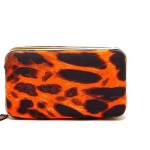 Pink Cosmo Handbags - 🔥Pink Cosmo Leopard Print Zip Box Clutch
