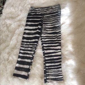 Nike Pants - Nike dri fit workout leggings size S