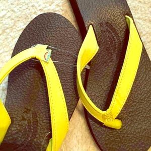 Rainbow Shoes - NWT Yellow Rainbow 'The Cottons' Flip Flop Sandal