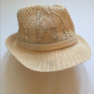 Accessories - Straw color fedora hat - ADORABLE