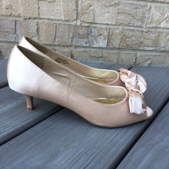 68% off RSVP Shoes - NWT Satin Kitten Heels Cream Beige ... Cream Heels With Bow