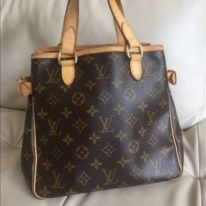 Louis Vuitton Handbags - 💯Authentic Louis Vuitton Batignoles vintage