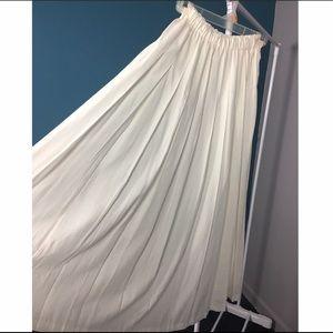 Marisa Christina Classic Skirts - White pleated maxi dress