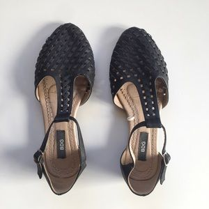 Urban Outfitters BDG T-Strap Flats in Black