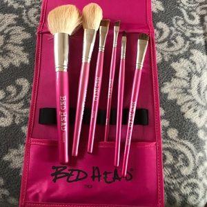 TIGI Other - Make up brushes