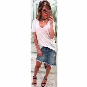 Monrow Tops - ➡MONROW Loose White V Neck Tee⬅