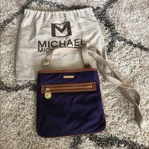 Michael Kors Handbags - Micheal Kors Flat cross body
