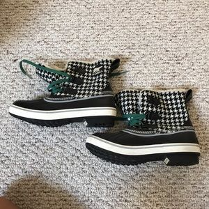 Sorel Houndstooth Boots