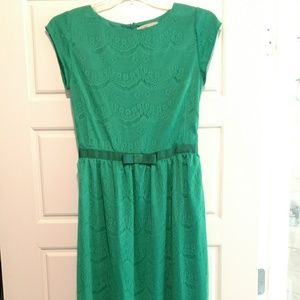 Shabby Apple Dresses & Skirts - EUC Shabby Apple green lace maxi, reduced to $30