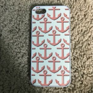Accessories - iPhone 5/5s case glows in the dark!🔥MOVING SALE🔥