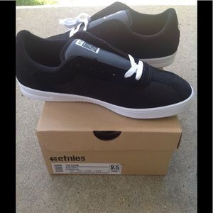 Etnies Other - Etnies The Scam Skater Shoes NEW