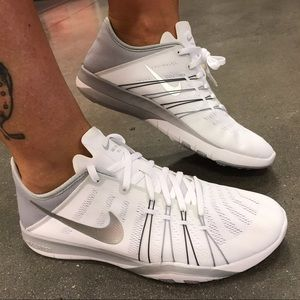 Nike Shoes - 💟Free-white training 💟New in a box