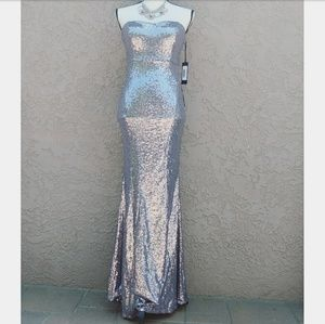Lulu Dresses & Skirts - NWT LULUS SILVER STRAPLESS SEQUIN MERMAID DRESS