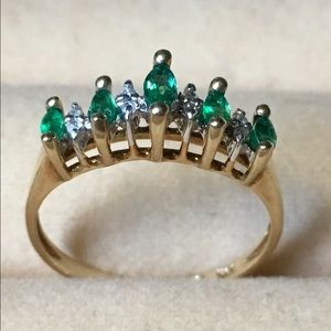 Jewelry - Emerald and diamond 10 k gold ring