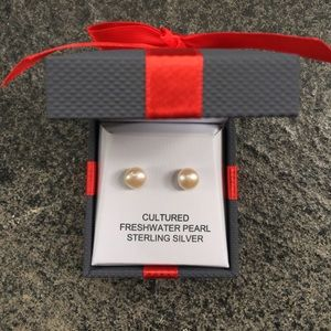Genuine cultured freshwater pearl earrings NIB
