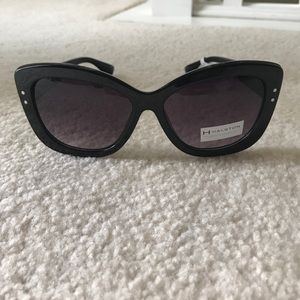 H by Halston Accessories - Thick black sunglasses