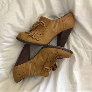 Seychelles Shoes - Seychelles Clue mustard leather heels.