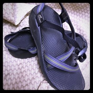 Chacos Shoes - Re-posh-ing!!!   Chacos!!