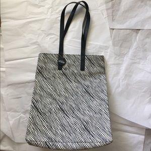 kate spade Handbags - Kate Spade Square Tote!