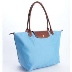Longchamp Handbags - LIKE NEW Longchamp le Pliage shopping tote large