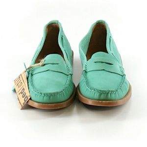 Bed Stu Shoes - 💕SALE💕Bed Stu Green Distressed Loafers