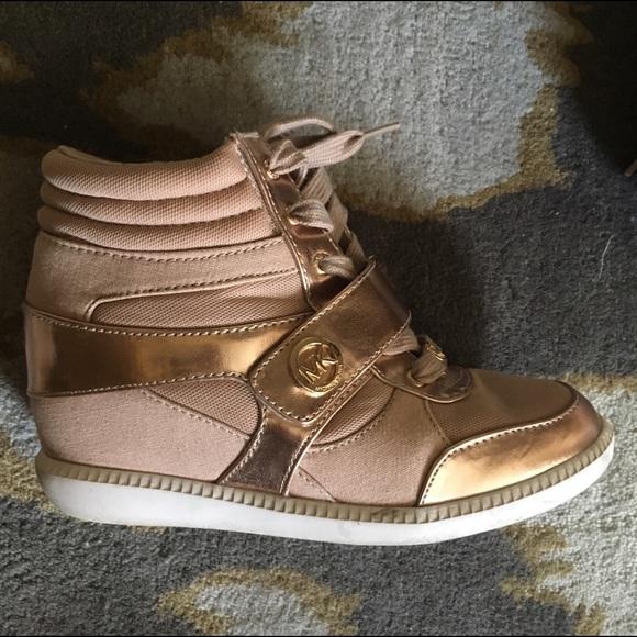 70 off kors michael kors other michael kors rose gold kids sneaker wedges from pearl 39 s closet. Black Bedroom Furniture Sets. Home Design Ideas