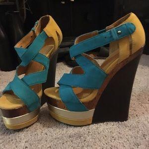 Shoes - Platform wedge sandals size6