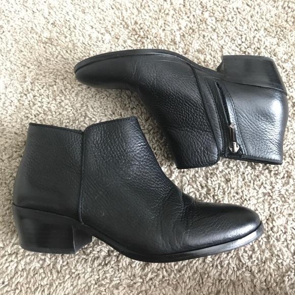 40418760630e2 Black Sam Edelman Petty Ankle Booties. M 5948454bc2845656050000a7
