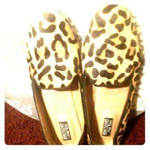 Adam Tucker Shoes - Leopard flats