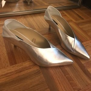 Zara Shoes - NWT! Silver & White Kitten Heels