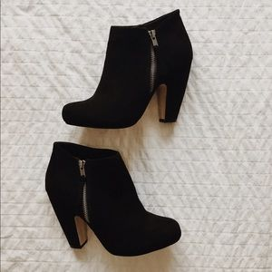 Madden Girl Shoes - Madden Girl Black Booties • Size 8