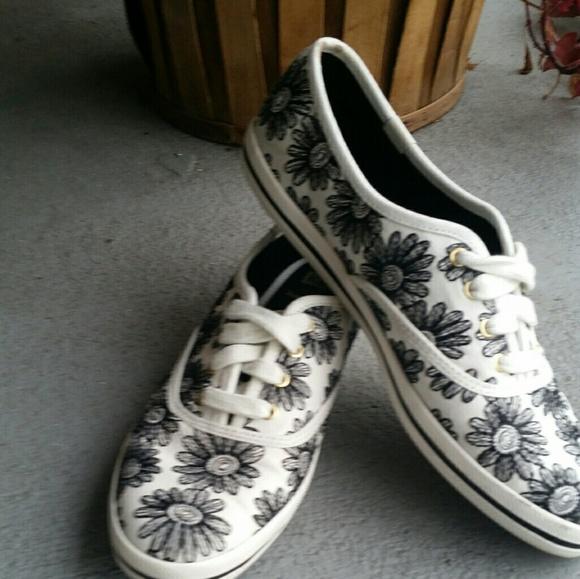 a36e771f97dd kate spade Shoes - Kate Spade Black Embroidery Daisy Keds